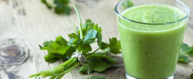 Grüne Smoothies - wie mixt man sie, wie wirken sie?